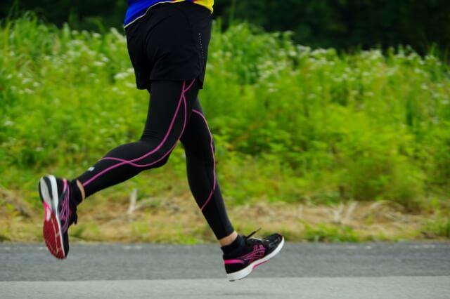 マラソンで疲れない走り方